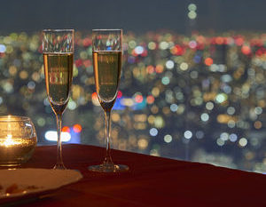 夜景とシャンパン